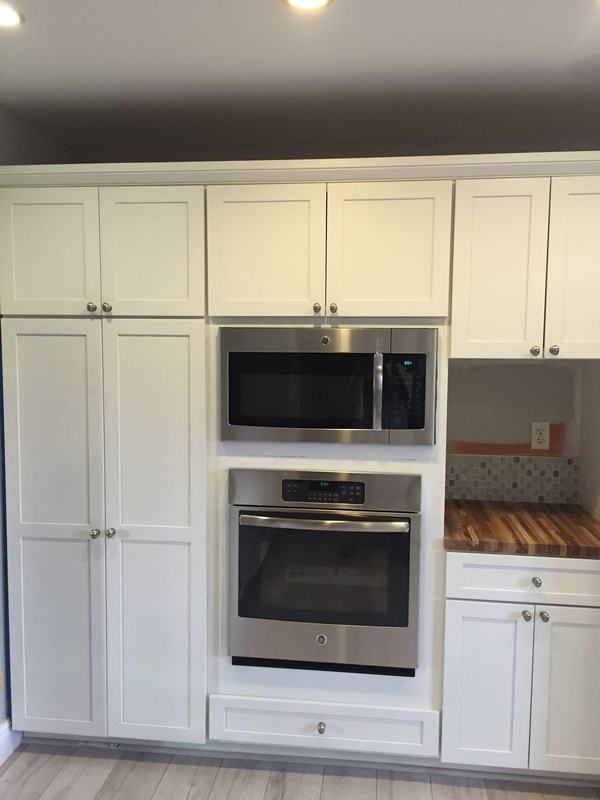 Doctor cabinets total kitchen cabinet revamp for Kitchen cabinets jobs